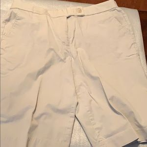 Coldwater Creek woman's kaki shorts size 16